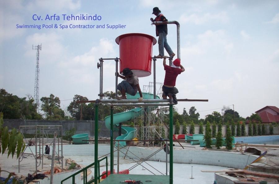 Fabrikasi Slide+ember Tumpah Nailah Waterboom-riau Pknbaru