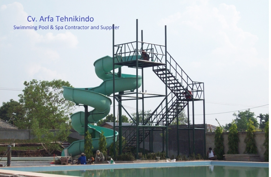 Fabrikasi Slides Nailah Waterboom-riau Pknbaru